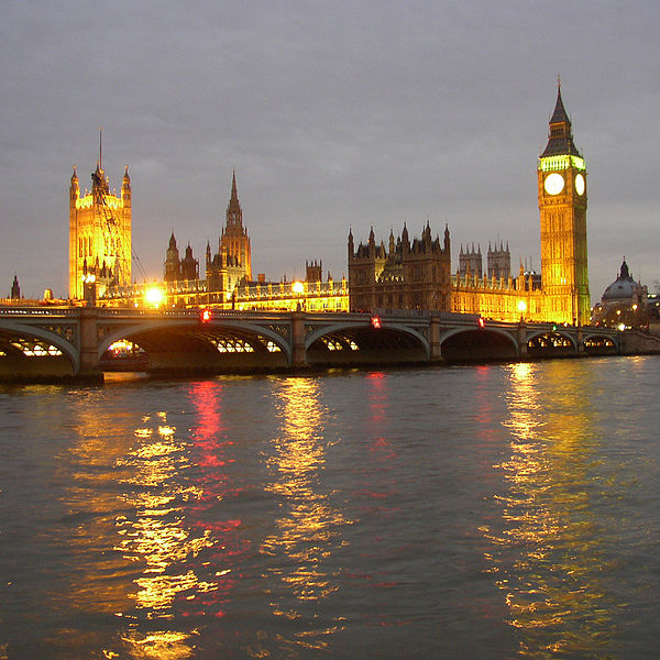 600px-Nightly_Palace_of_Westminster_01
