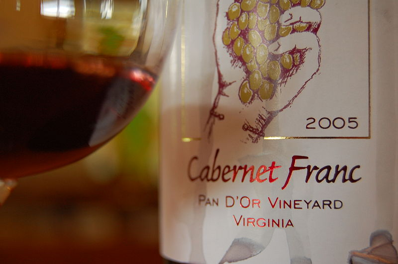 800px-Cabernet_Franc_from_Virginia