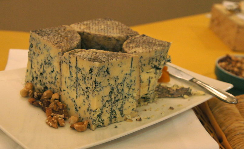 Flora-Nelle-Blue-Cheese